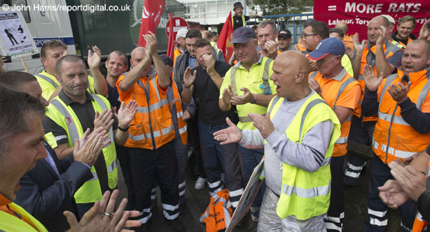 Win! Unite praises members' solidarity as long-running Birmingham bin strike comes to an end